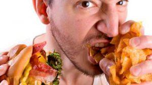 употребление жирной и острой пищи