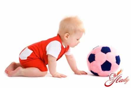 правильное развитие ребенка в 7 месяцев