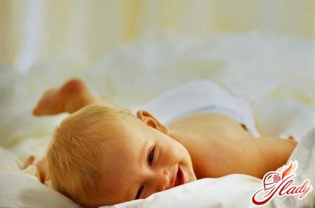 почему икает новорожденный