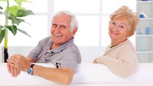 мужчина и женщина в возрасте