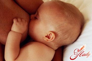ребенок часто просит грудь ночью